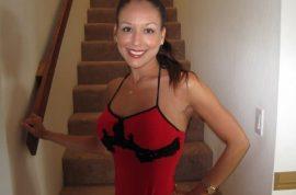 Kristin Sharp photos: Realtor gets drunk, flashes breasts on Hawaii flight, blames flight attendant
