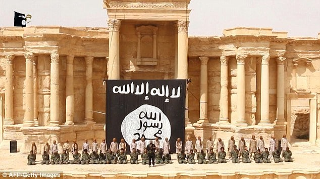ISIS blows up three people bound Palmyra columns execution