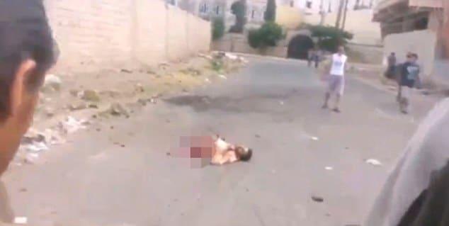 ISIS suicide bomber still alive blowing himself in half Yemen
