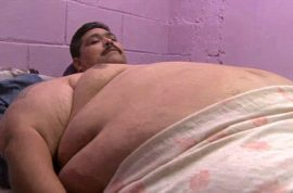 700 lbs, Andres Moreno world's fattest man dies Xmas day