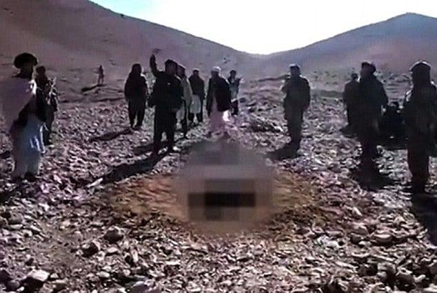 Al Qaeda stone Yemen woman to death for adultery
