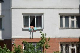Novosibirsk sunbather wins petition to hang butt out window