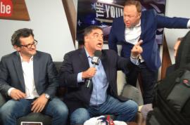 Alex Jones crashes Young Turks show, Cenk Uygur loses his shxt