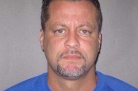 Why did Larry Gordon shoot bailiffs Ron Kienzle and Joseph Zangaro dead?