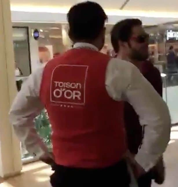 Man walks into French Apple store smashes iPhones