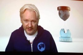 Gamble? Julian Assange offers extradition to US.