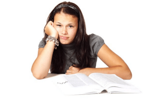 Four Ways Custom Essay Writing Service Helps in Scoring Better Grades