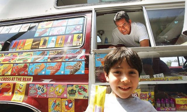 Newport News Virginia ice cream truck driver robbed