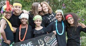 Sarah andJennifer Hart family crash
