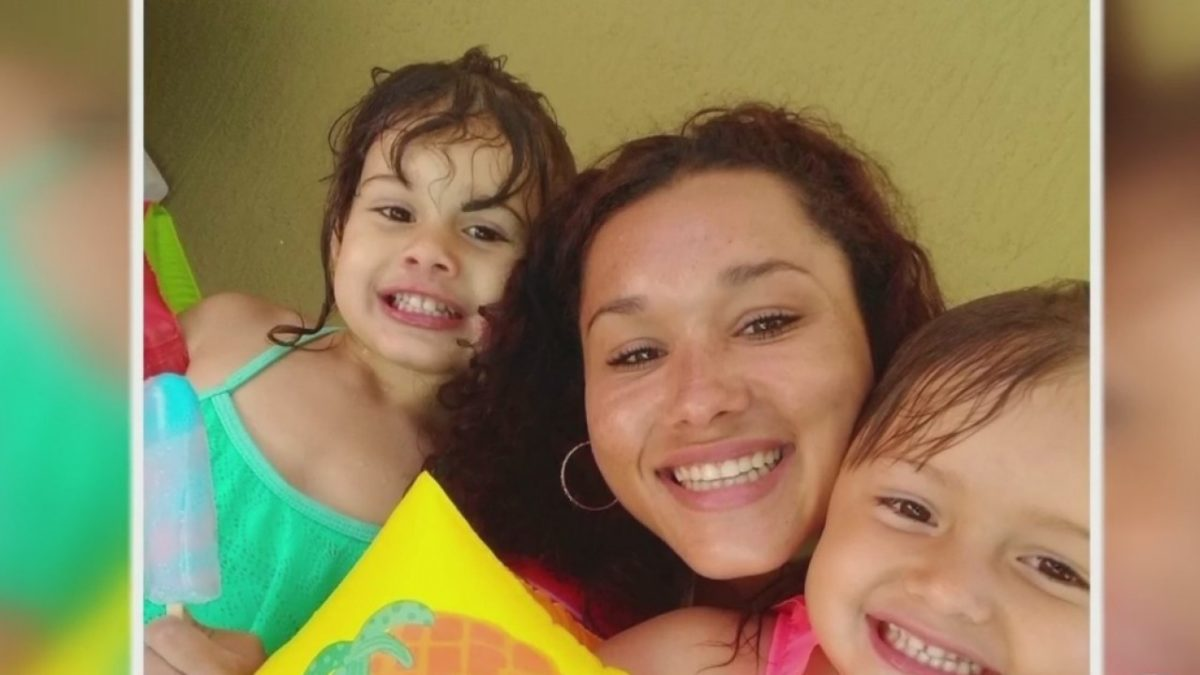 Florida mom of two found dead along Florida highway with broken leg.