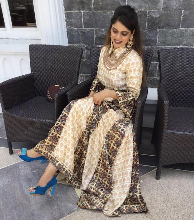 Dress shoe for Indian dress