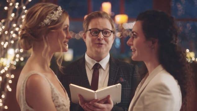 Hallmark reinstates brides kissing commercial