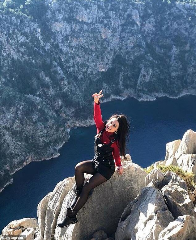 Woman falls to her death off Turkish cliffs