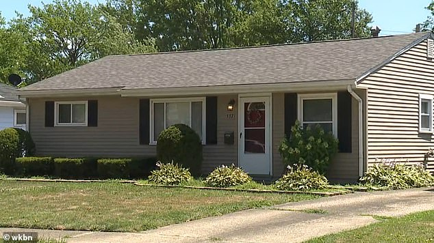 Elyria Ohio father shoots wife, three children dead then self.