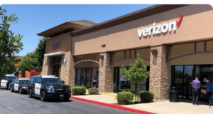 California woman at Rosedale Verizon store urinates on floor