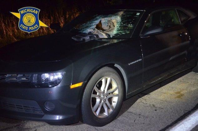 Man charged w/ throwing 40 pound sandbag off Michigan overpass