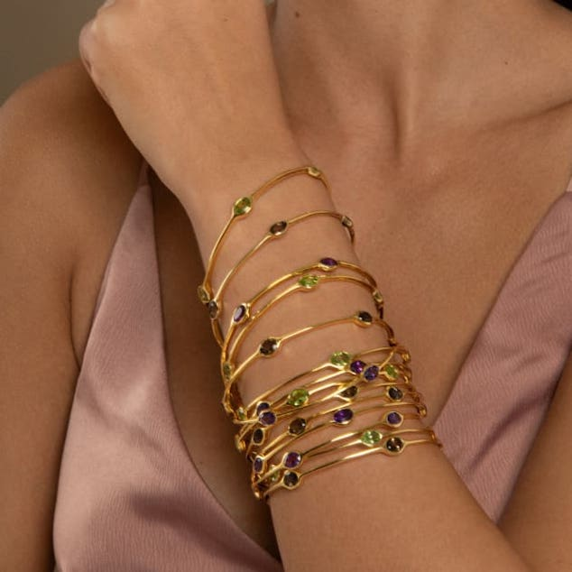 The Do's and Don'ts of Buying Gold Bracelets for Women