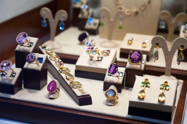 tips choosing buying jewelry