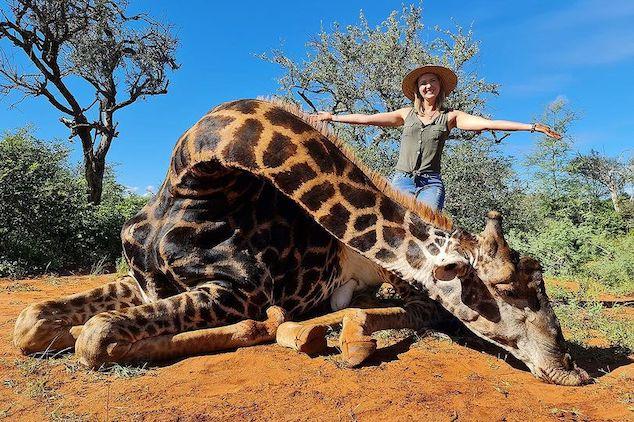 Merelize Van Der Merwe hunter giraffe heart