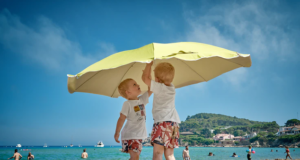 Fun Water Games & Activities to do with your kids this summer