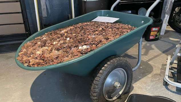 Andreas Flaten paycheck: Georgia man owed $915, gets 90,000 pennies