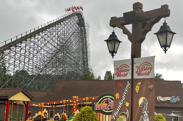 Woman dies riding roller coaster at Indiana theme park